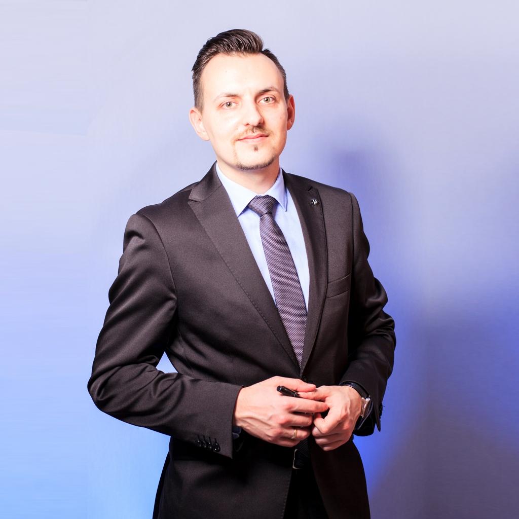 <strong>Roman Kobert</strong> Versicherungsfachmann (IHK) Consultant